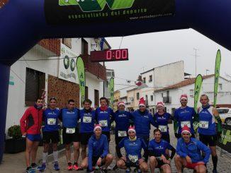 Fondistas Moralos participaron en la carrera de Navidad en Almaraz