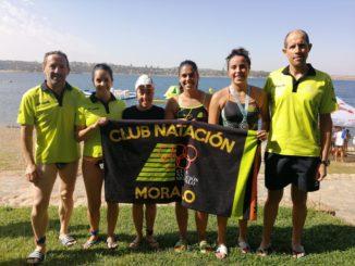 Cuatro primeros puestos y dos terceros del Club Natación Moralo en el Pantano de Orellana